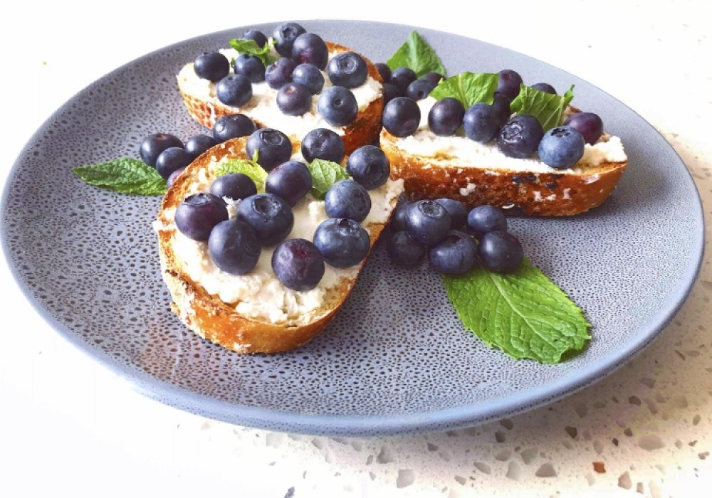 Blueberry, Ricotta & Honey on Toast